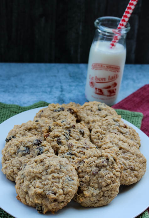 Slightly crispy on the outside and soft on the inside, these classic oatmeal cookies are packed with raisins and nuts. Fill up that cookie jar today!