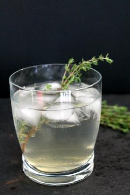 Honey Thyme Gin & Tonic